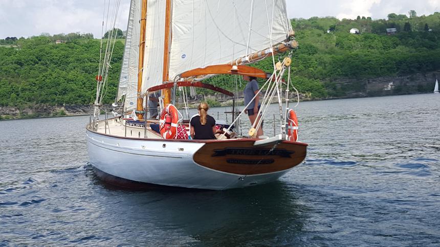Schooner Corporate Sail