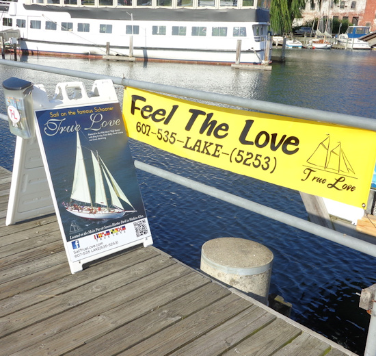 Feel the Love Sign